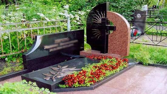 Памятник могила